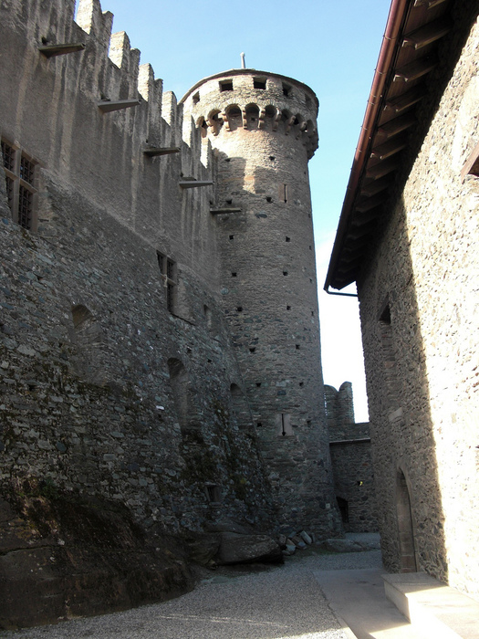 Итальянский замок Фенис (Castello di Fenis) 72661