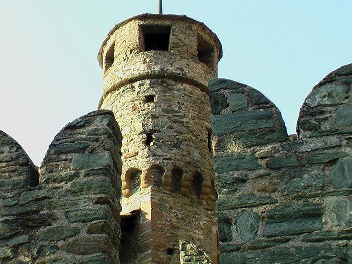 Итальянский замок Фенис (Castello di Fenis) 74838