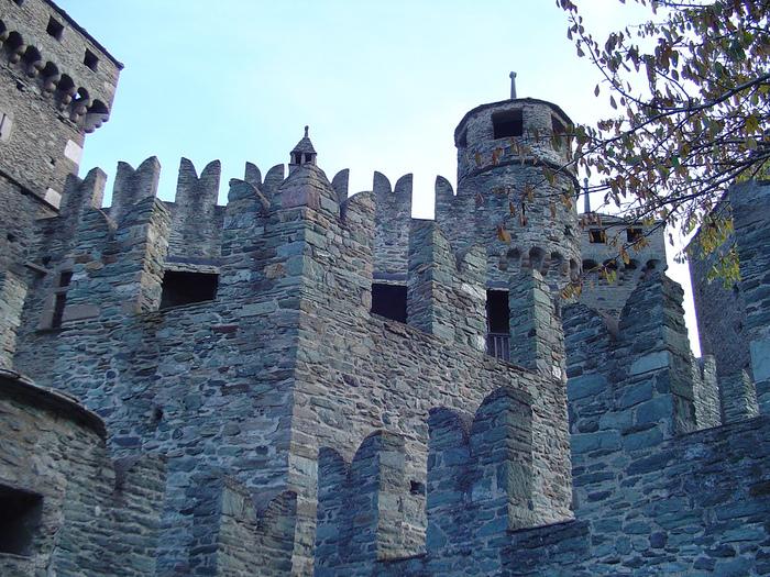 Итальянский замок Фенис (Castello di Fenis) 55384