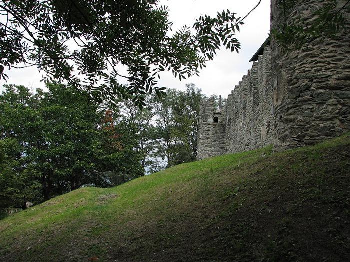 Итальянский замок Фенис (Castello di Fenis) 37496