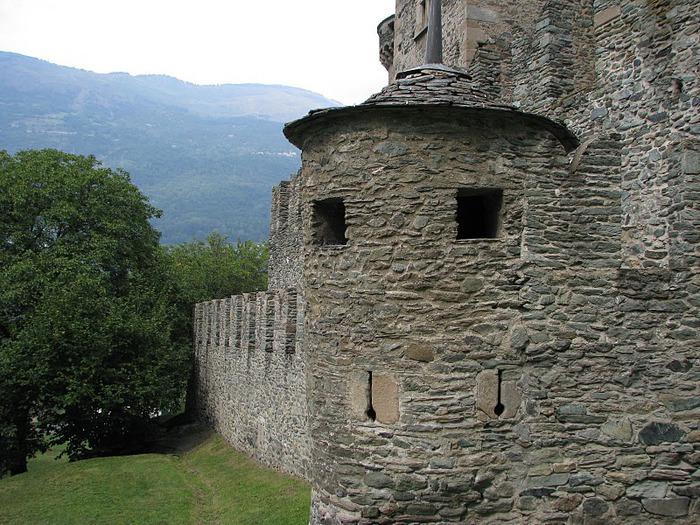Итальянский замок Фенис (Castello di Fenis) 62760