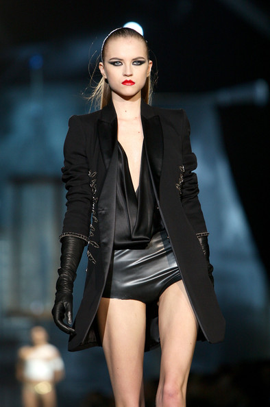 milan_fashion_week_aw2010_dsquared2_23 (394x594, 51 Kb)