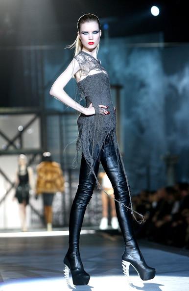 milan_fashion_week_aw2010_dsquared2_28 (386x594, 64 Kb)