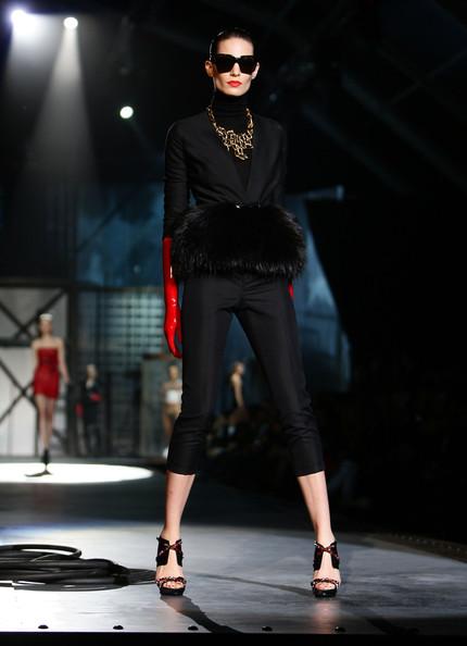 milan_fashion_week_aw2010_dsquared2_32 (430x594, 48 Kb)