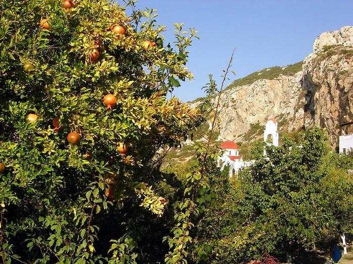 Остров Карпатос - высокие горы, традиционные поселки, пляжи на юге... 27131