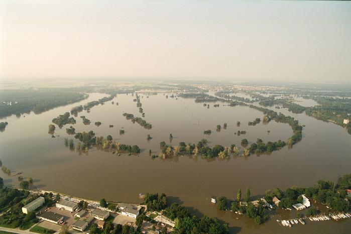 2002-Катастрофа по-европейски 27065