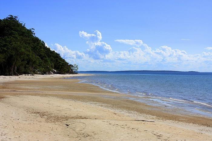 Oстров Фрейзер — объект всемирного достояния человечества и самый большой песчаный остров в мире. 38200