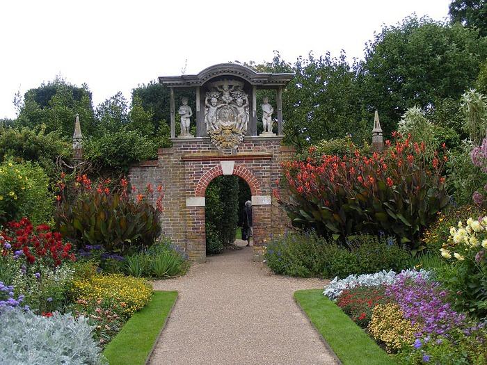 Nymans Gardens 12444