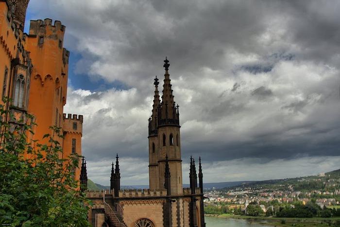 Рейнская жемчужина -Замок Штольценфельс 79521