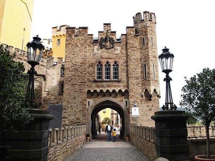 Рейнская жемчужина -Замок Штольценфельс 76632