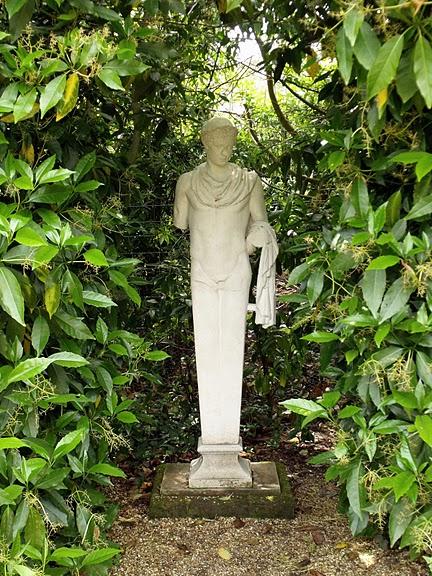 Nymans Gardens 67000