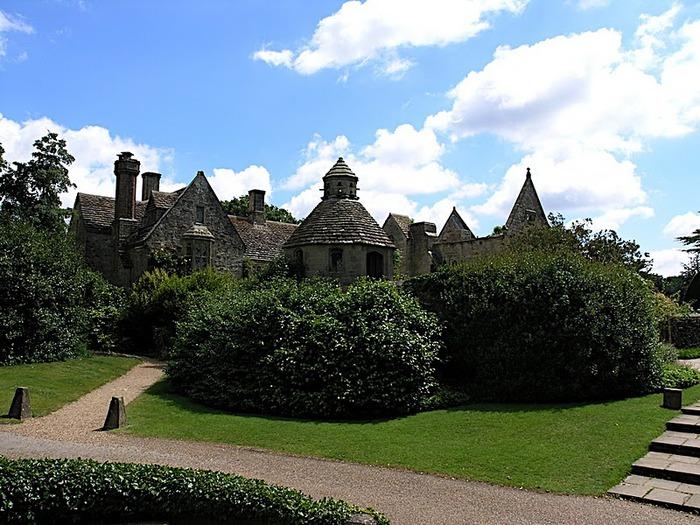 Nymans Gardens 15331