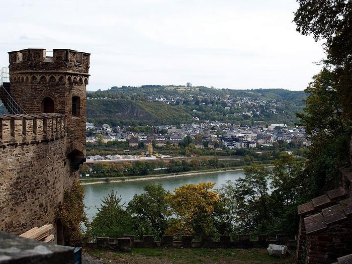 Рейнская жемчужина -Замок Штольценфельс 33553
