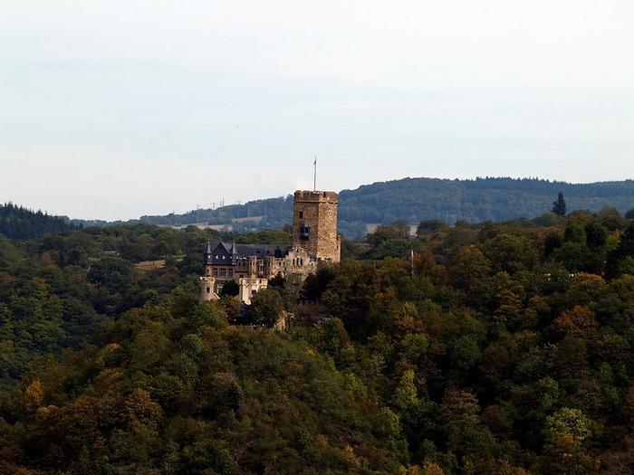 Рейнская жемчужина -Замок Штольценфельс 83767