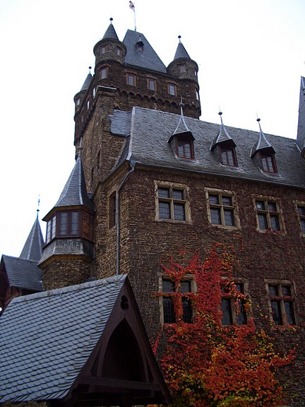 Замок Кохем под Райхсбургом. Германия. 72498