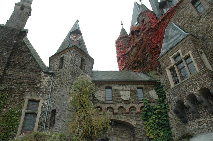 Замок Кохем под Райхсбургом. Германия. 15140