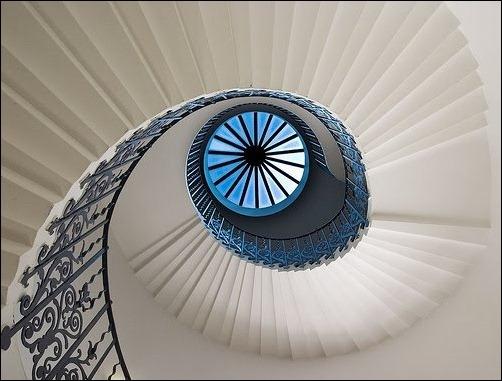 45 спиральных лестниц 15