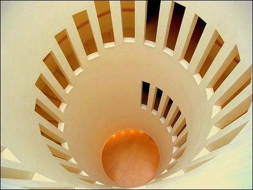 45 спиральных лестниц 18