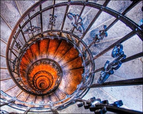45 спиральных лестниц 26