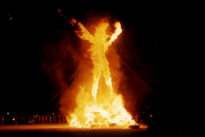 горящий человек burning man (690x460, 55 Kb)