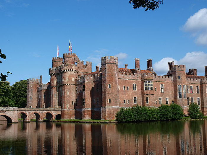 Замок Хёрстмонсо - Herstmonceux Castle 16048