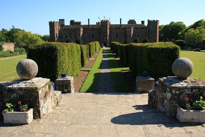Замок Хёрстмонсо - Herstmonceux Castle 21205