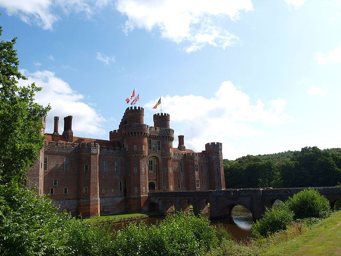 Замок Хёрстмонсо - Herstmonceux Castle 27613