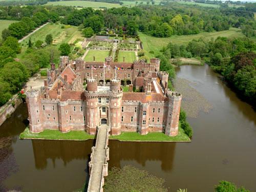 Замок Хёрстмонсо - Herstmonceux Castle 36832