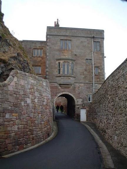 Замок Бамбург (Bamburgh) - Графство Нортумберленд 11850
