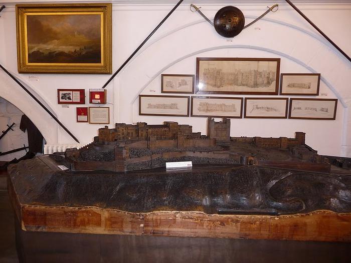 Замок Бамбург (Bamburgh) - Графство Нортумберленд 53378