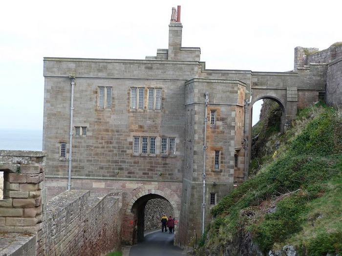 Замок Бамбург (Bamburgh) - Графство Нортумберленд 81717