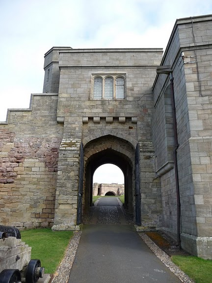 Замок Бамбург (Bamburgh) - Графство Нортумберленд 98156