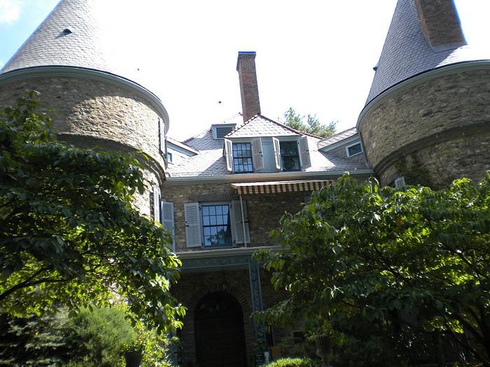 Замок Грей Тауэрс в Гленсайде 22968