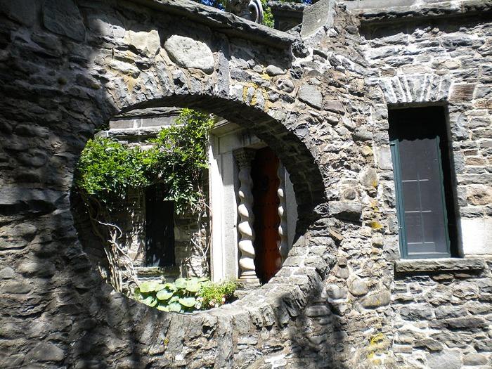 Замок Грей Тауэрс в Гленсайде 78090