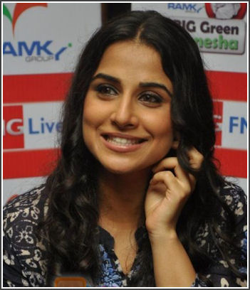 http://img1.liveinternet.ru/images/attach/c/2//65/620/65620030_normal_Vidya_Balan_launches_Big_FM_Green_Ganesha_drive_in_Cafe_Balisico_on_7th_Sept_2010_24.JPG