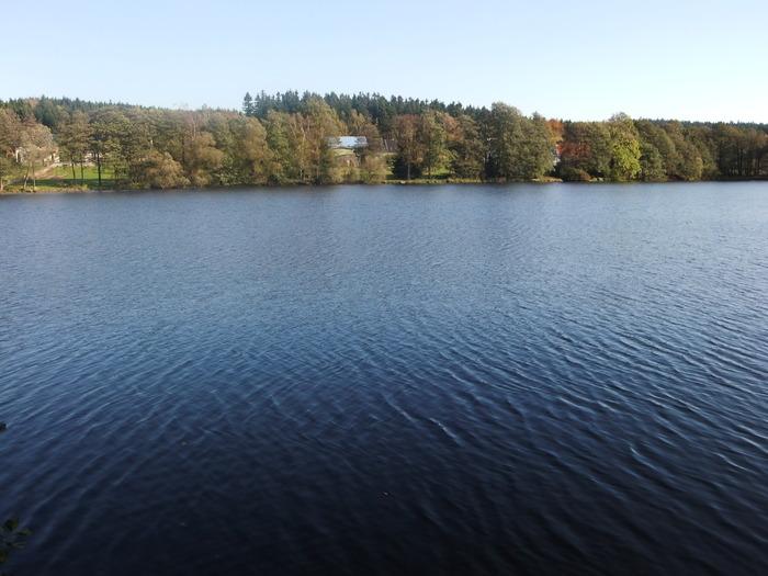 Осенний денёк на озере в Лангенау, Саксония 23994