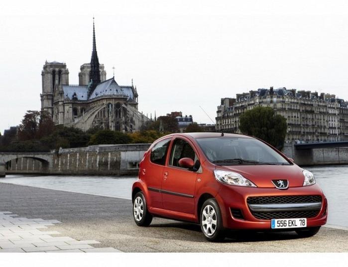 городской автомобиль Peugeot 107 3