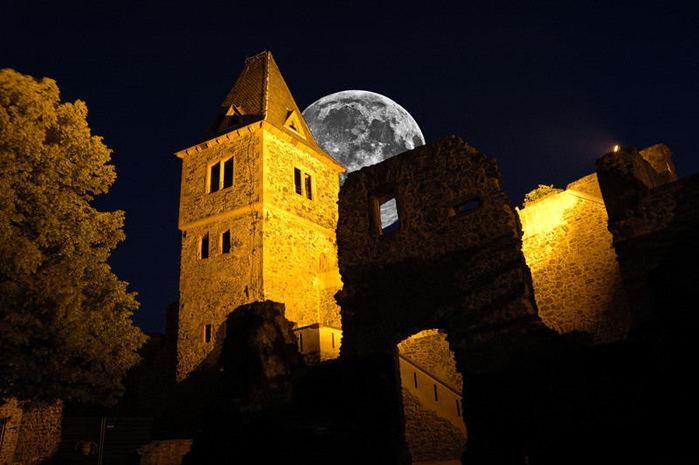 В гости к Франкенштейну- Burg Frankenstein 25746