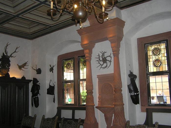 Замок Mespelbrunn. 47140