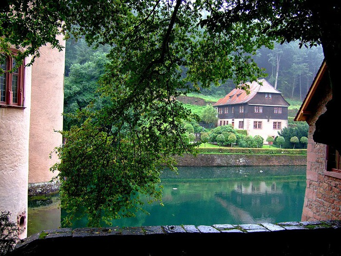 Замок Mespelbrunn. 58002