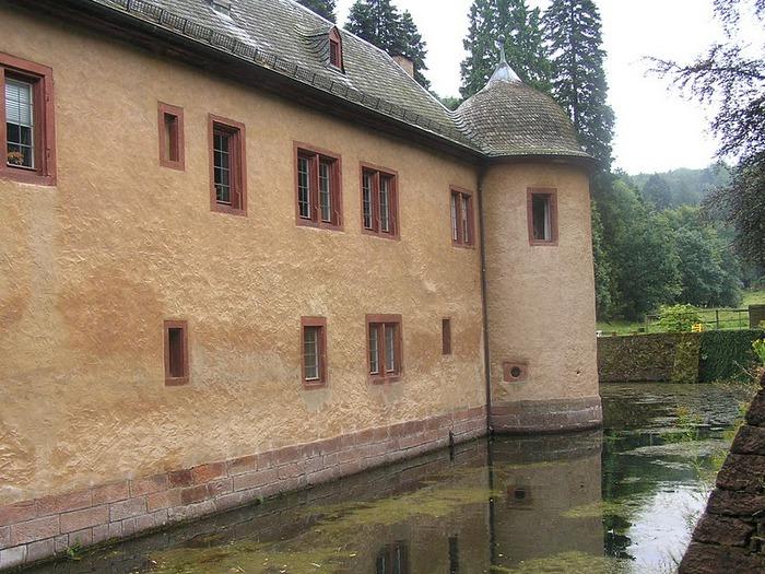 Замок Mespelbrunn. 70937