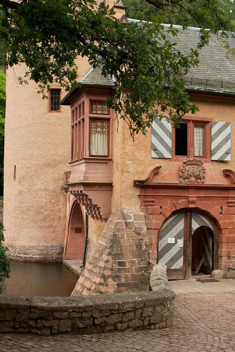 Замок Mespelbrunn. 69817