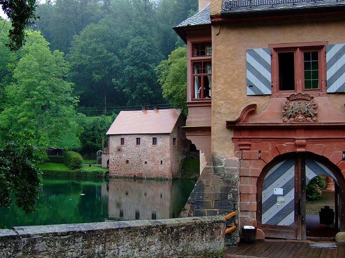 Замок Mespelbrunn. 27403
