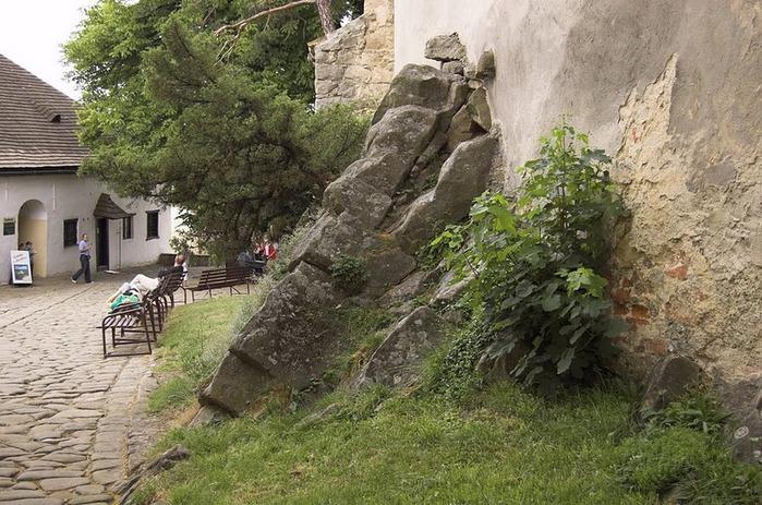 Замок Бухлов (Buchlov) 54330