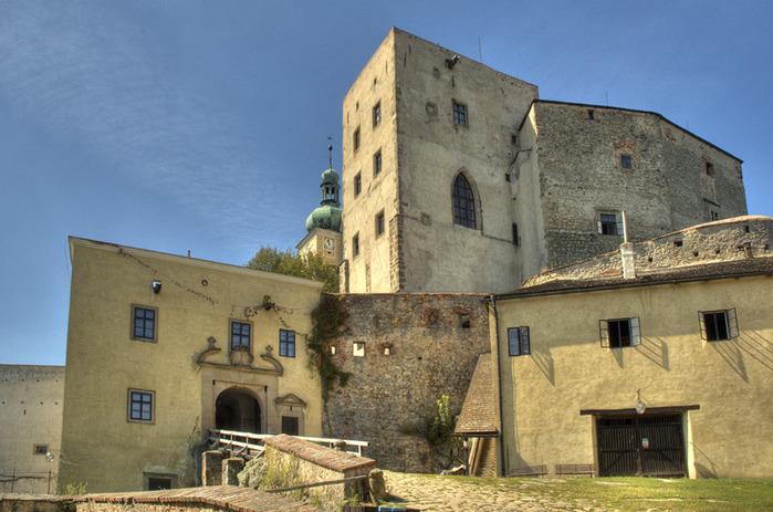 Замок Бухлов (Buchlov) 79899