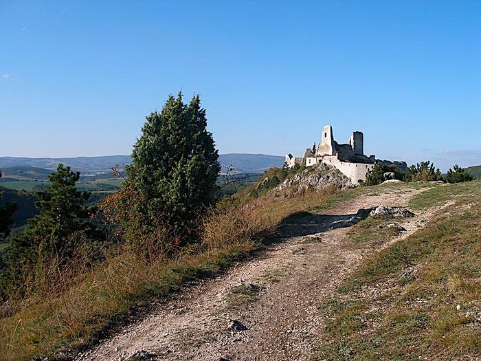 Чахтицкий замок (Cachtice castle) -замок Кровавой Графини. 27744
