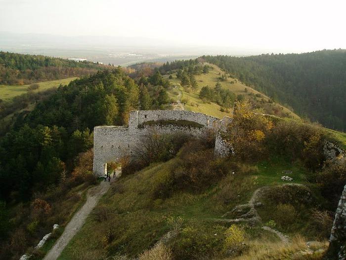 Чахтицкий замок (Cachtice castle) -замок Кровавой Графини. 79996