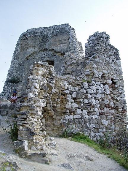 Чахтицкий замок (Cachtice castle) -замок Кровавой Графини. 87765