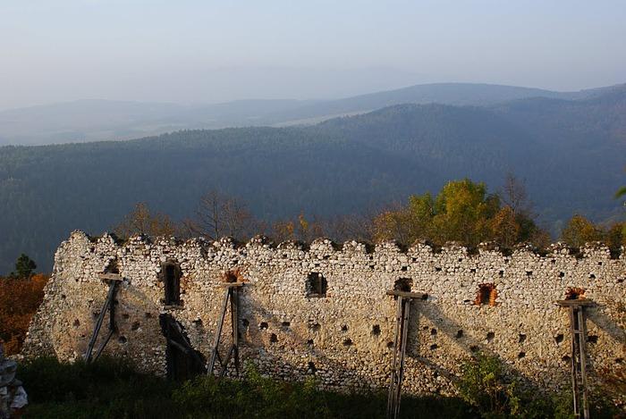 Чахтицкий замок (Cachtice castle) -замок Кровавой Графини. 94910