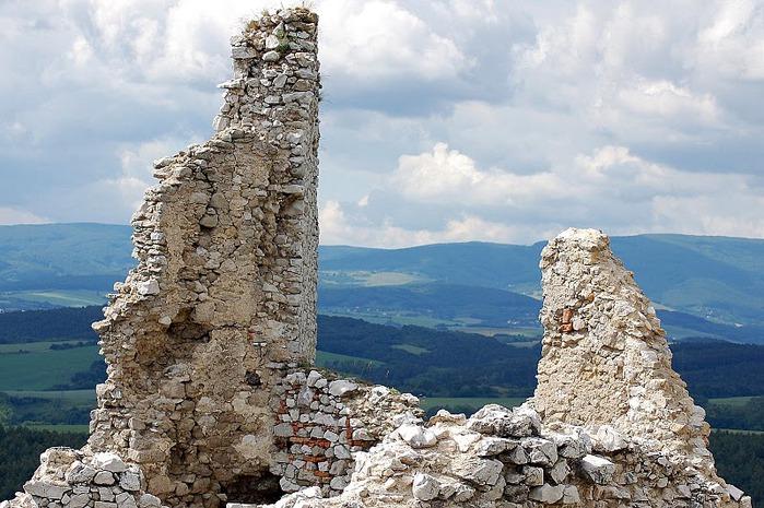 Чахтицкий замок (Cachtice castle) -замок Кровавой Графини. 75581